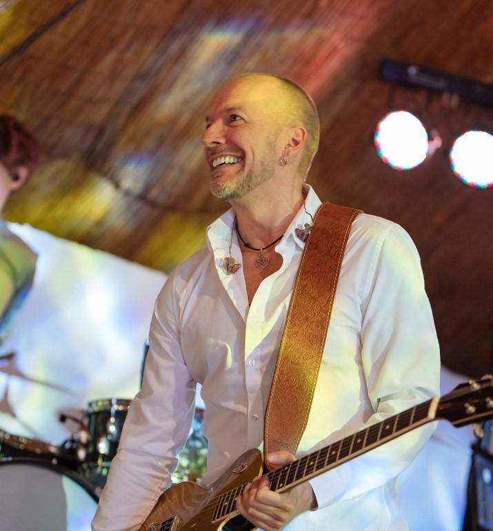 Jon Rosenau an der Gitarre Live